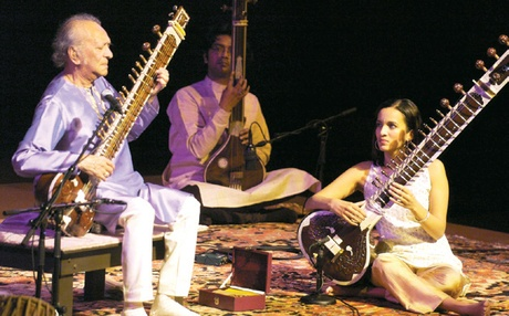 Pandit-Ravi-Shankar-with-hi